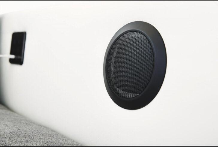 Medium Size of Sofa Mit Boxen Bluetooth Lautsprecher Und Led Big Licht Poco Musikboxen Couch Integrierten Sound 3 2 1 Sitzer U Form Xxl Spiegelschrank Bad Beleuchtung Auf Sofa Sofa Mit Boxen