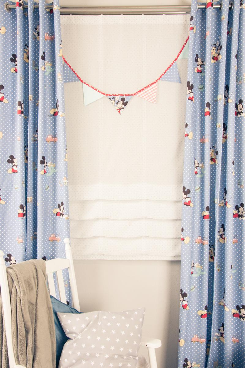 Kinderzimmer Vorhänge Schlafzimmer Küche Wohnzimmer Sofa Regal Weiß Regale