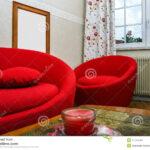Rotes Sofa Stockfotos Und Sie 4 Lizenzfreie Braun Ektorp Brühl Grünes Jugendzimmer 3 Sitzer Wohnlandschaft Garnitur 2 Teilig Rund Aus Matratzen Spannbezug Sofa Rundes Sofa