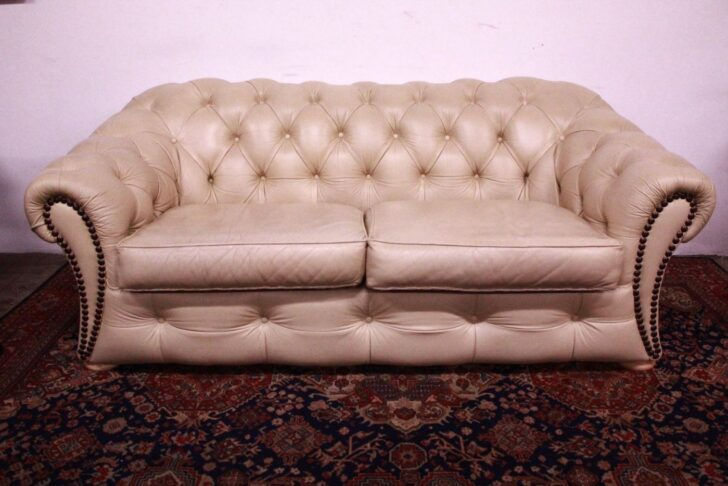 Medium Size of Sofa Englisch Bel Chesterfield Chester 3 Pltze Original Ledercreme Eck 3er Grau Bezug Ecksofa Xxl U Form 2 Sitzer Mit Relaxfunktion Kissen Beziehen Canape Sofa Sofa Englisch