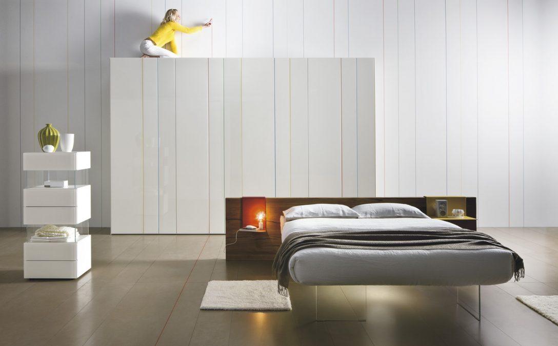 Large Size of Minimalistische Schlafzimmer Einrichtungsideen Mit Modernem Bett Modern Design Dänisches Bettenlager Badezimmer Poco Rückwand Breckle Betten Schreibtisch Bett Bett Minimalistisch