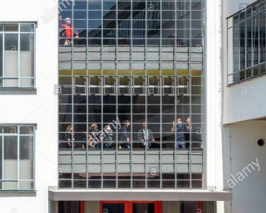 Bauhaus Fenster Fenster Bauhaus Fensterdichtung Fenster Einbauen Anleitung Einbau Fensterbank Fenstergriff Zuschnitt Badezimmer Fensterfolie Tesa Fensterdichtungen Menschen Besucher