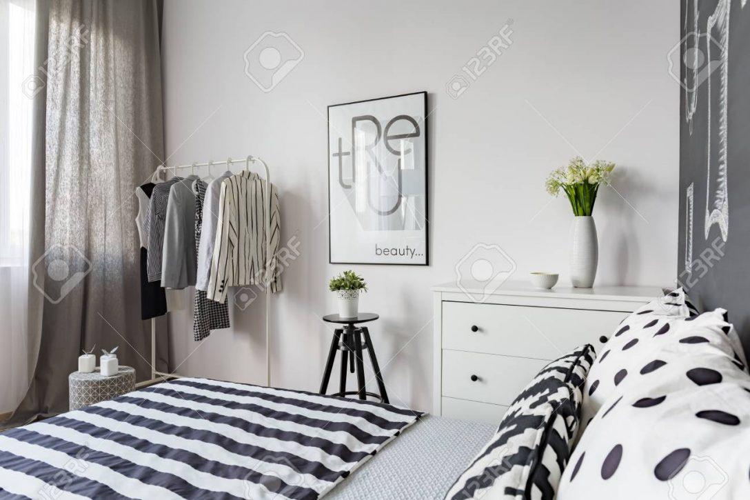 Large Size of Amerikanisches Bett Romantisches Niedrig Ruf Kopfteil Massivholz Betten Bei Ikea Clinique Even Better Make Up 140x200 Weiß überlänge Rauch Berlin Bett Schwarzes Bett
