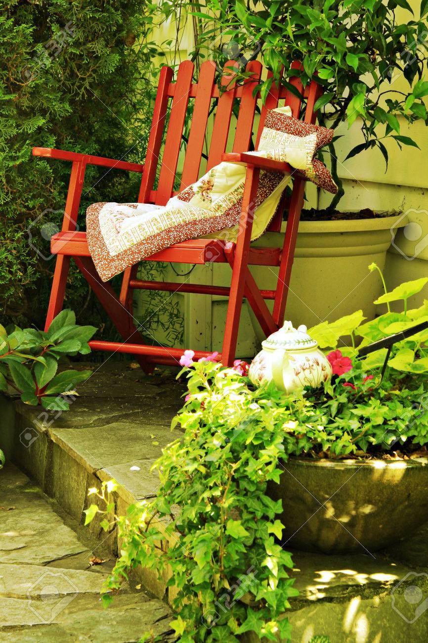 Full Size of Garten Schaukelstuhl Amazon Ikea Wetterfest Holz Rattan Teak Obi In Einem Ferienhaus Instagram Filter Lärmschutzwand Kosten Pool Guenstig Kaufen Spaten Garten Garten Schaukelstuhl