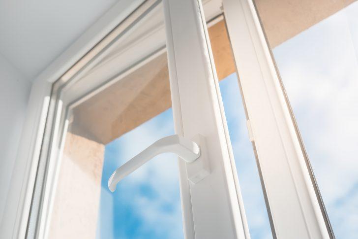 Medium Size of Pvc Fenster Preis Kunststofffenster Reinigen Fensterfolie Lackieren Streichen Freie Kunststoff Kann Man Polen Kaufen Seatech Glasklar 1mm Maschinen Fenster Pvc Fenster