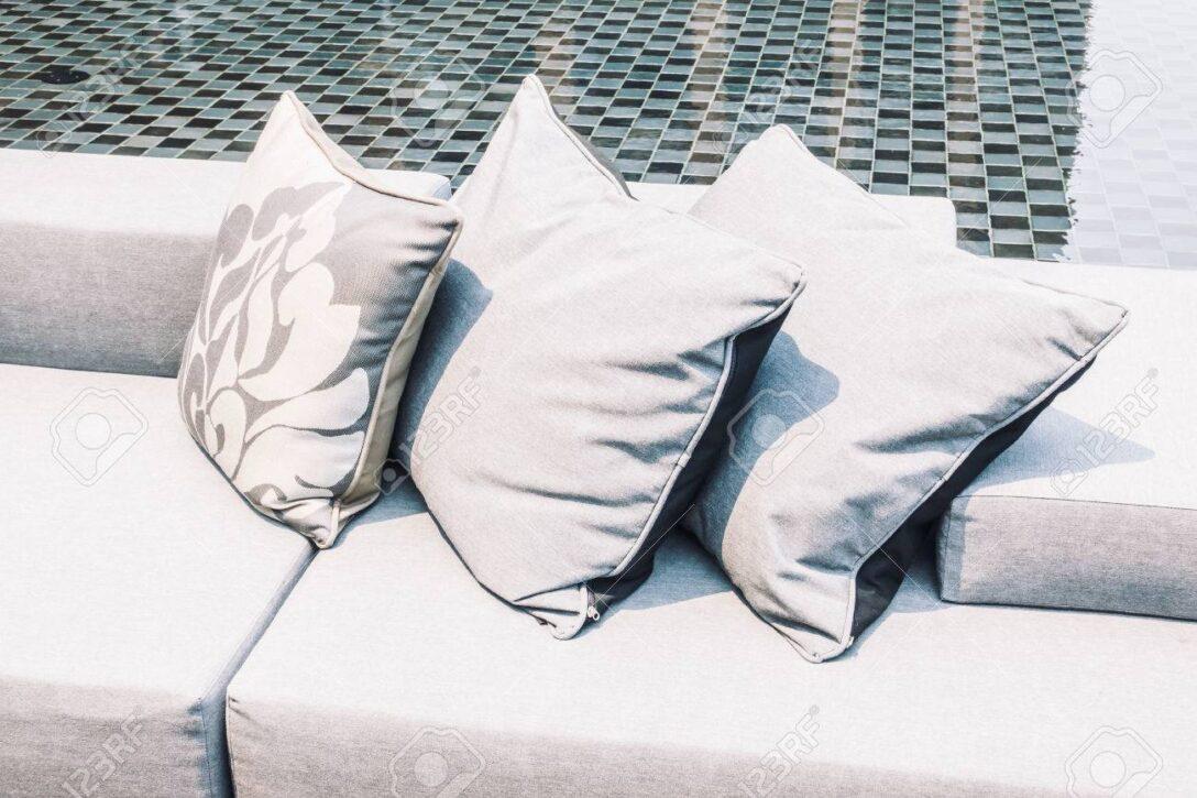 Large Size of Sofa Med Former Leather Couch Rund Klein Form Rundy Bed Schne Luxus Kissen Auf Und Sessel Ottomane Hersteller Big Mit Hocker Bezug Stoff Raten Esszimmer Gelb Sofa Sofa Rund