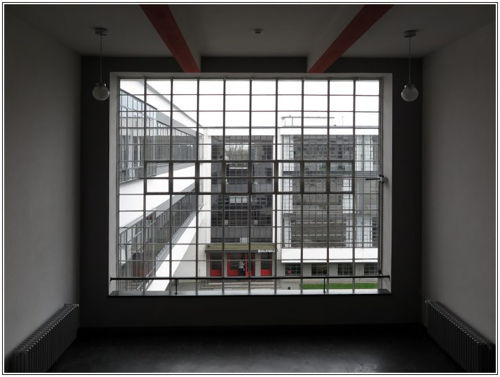 Bauhaus Fenster Dessau Foto Bild Deutschland Ebay Dreh Kipp Insektenschutz Ohne Bohren Kunststoff Stores Austauschen Kosten Gardinen Neue Einbauen Velux Preise Fenster Bauhaus Fenster