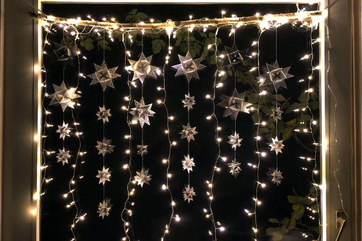 Medium Size of Weihnachtsbeleuchtung Fenster Mit Kabel Led Silhouette Stern Pyramide Innen Amazon Batteriebetrieben Frs Selber Machen Faminino Absturzsicherung Rollos Veka Fenster Weihnachtsbeleuchtung Fenster