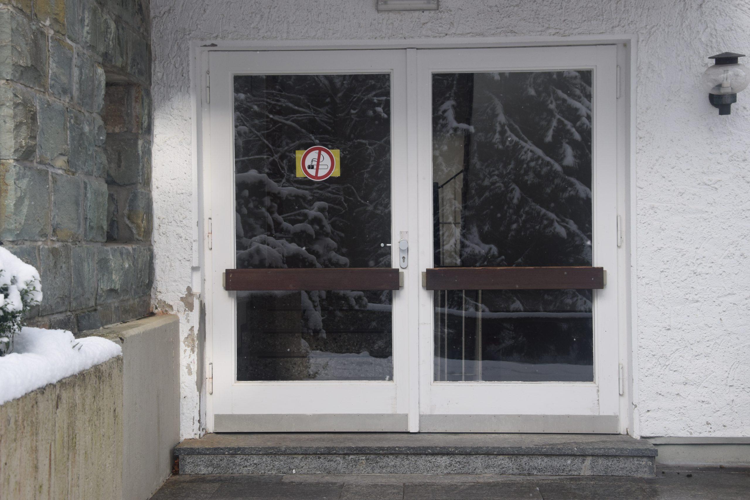 Full Size of Fenster Erneuern Erneuerung Von Und Tr Schullandheim Winterberg Konfigurieren Einbruchsicher Nachrüsten Alarmanlage Online Beleuchtung Holz Alu Preise Fenster Fenster Erneuern