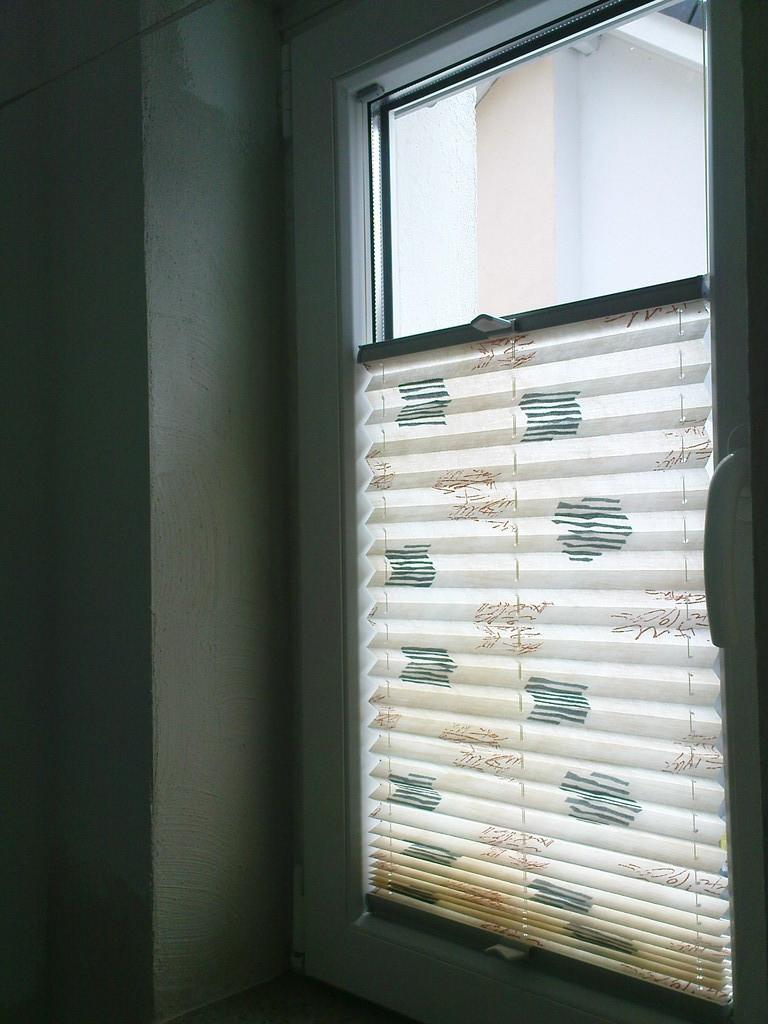 Full Size of Fenster Plissee Plissees Dekorativer Sichtschutz Fr Ihre Köln Schüco Weru Flachdach Velux Ersatzteile Bodentief Insektenschutzgitter Rc 2 Standardmaße Fenster Fenster Plissee