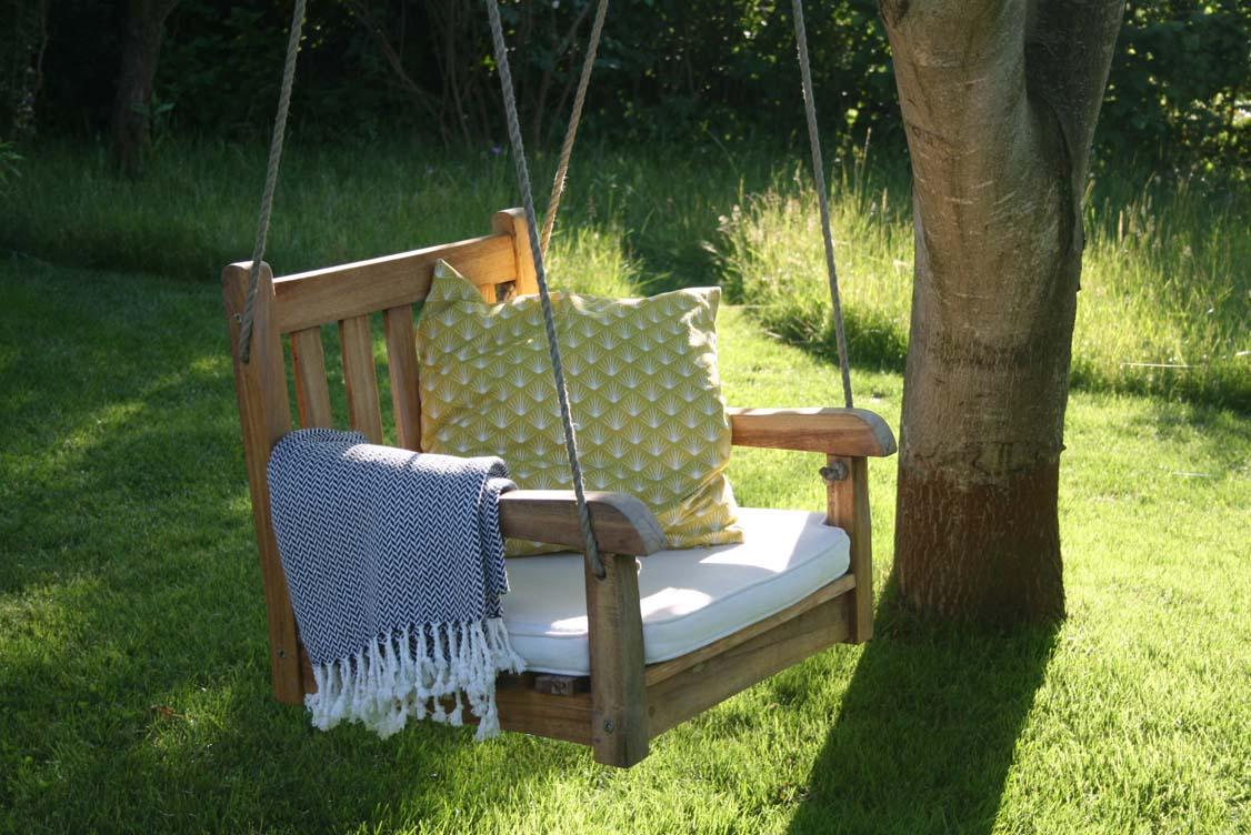 Full Size of Ein Schaukel Stuhl Im Garten Frau Meise Lounge Sessel Sichtschutz Kugelleuchten Folien Für Fenster Möbel überdachung Trennwände Sofa Pool Bauen Garten Schaukel Für Garten