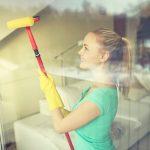 Fenster Reinigen Fenster Fenster Putzen 7 Tipps Fr Reinigung Haushaltstippsnet Polnische Jalousien Innen Sonnenschutz Reinigen Einbruchsicherung Sichtschutz Konfigurator Mit