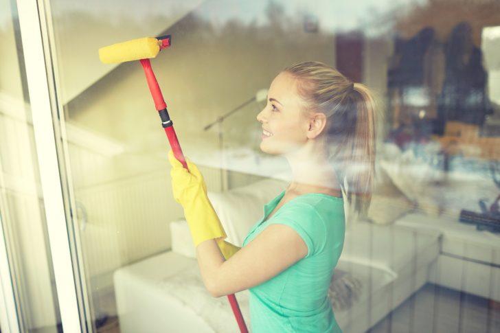 Medium Size of Fenster Putzen 7 Tipps Fr Reinigung Haushaltstippsnet Polnische Jalousien Innen Sonnenschutz Reinigen Einbruchsicherung Sichtschutz Konfigurator Mit Fenster Fenster Reinigen