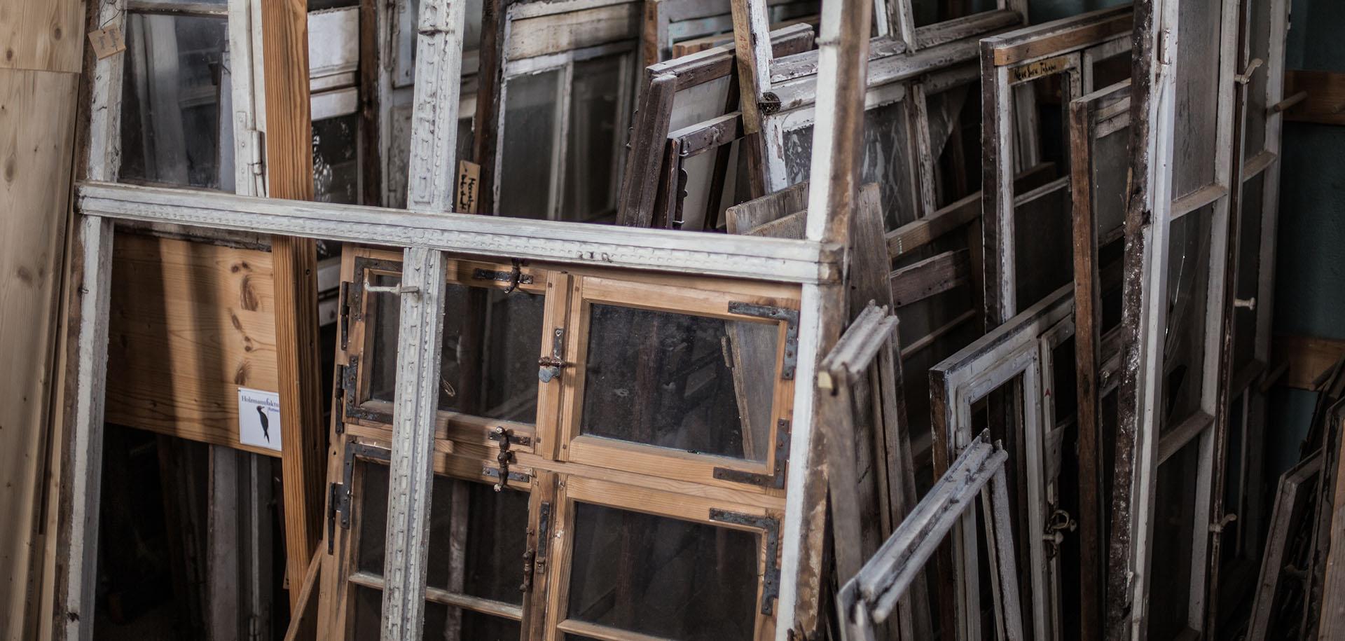 Full Size of Alte Fenster Kaufen Holzmanufaktur Rottweil Rundes In Polen Verdunkelung Küche Günstig Sonnenschutz Außen Anthrazit Alarmanlagen Für Und Türen Rehau Fenster Alte Fenster Kaufen