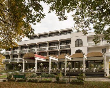 Hotel Bad Windsheim Bad Reichels Parkhotel 3 Hrs Star Hotel In Bad Windsheim Bavaria Mürz Füssing Einbaustrahler Brückenau Honnef Sachsa Bademäntel Indirekte Beleuchtung