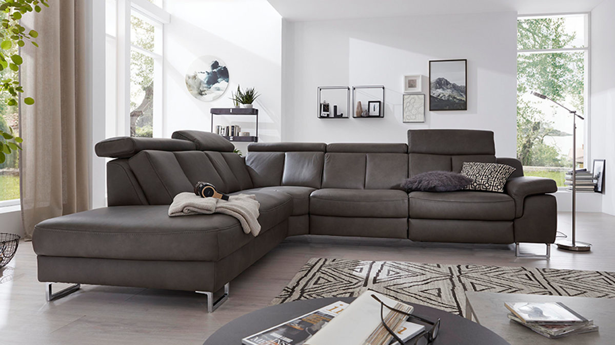 Full Size of Graues Sofa Welche Wandfarbe Passt Wohnzimmer Rosa Kissen Teppich Farbe Kissenfarbe Bunte Welcher Graue Couch 2er Ikea Kombinieren Interliving Serie 4050 Sofa Graues Sofa