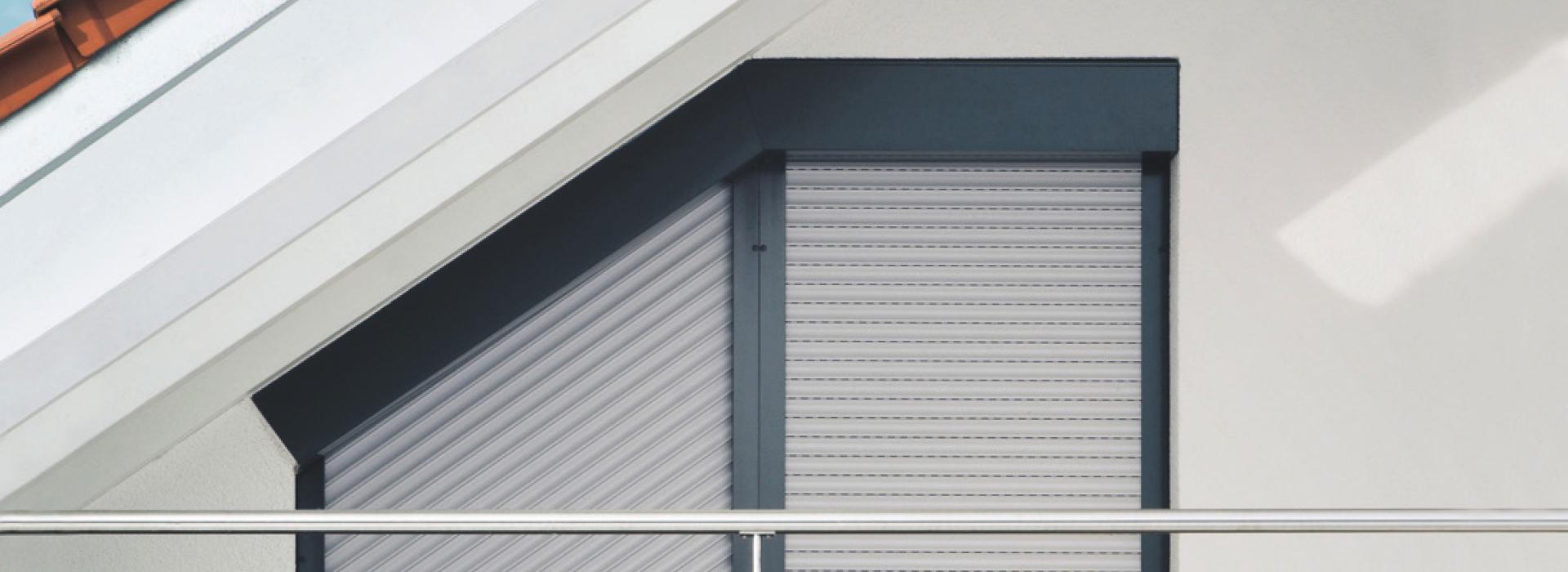 Full Size of Sonnenschutz Fenster Außen Schrgrollladen Von Roma Lsung Fr Schrge Velux Veka Gardinen Ersatzteile Mit Eingebauten Rolladen Zwangsbelüftung Nachrüsten Fenster Sonnenschutz Fenster Außen