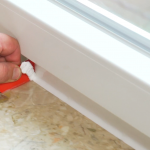 Fenster Abdichten Fenster Fenster Kunststoff Schräge Abdunkeln Sonnenschutz Für Online Konfigurieren Stores Velux Einbauen Putzen Veka Preise Einbau Aluplast Sicherheitsbeschläge