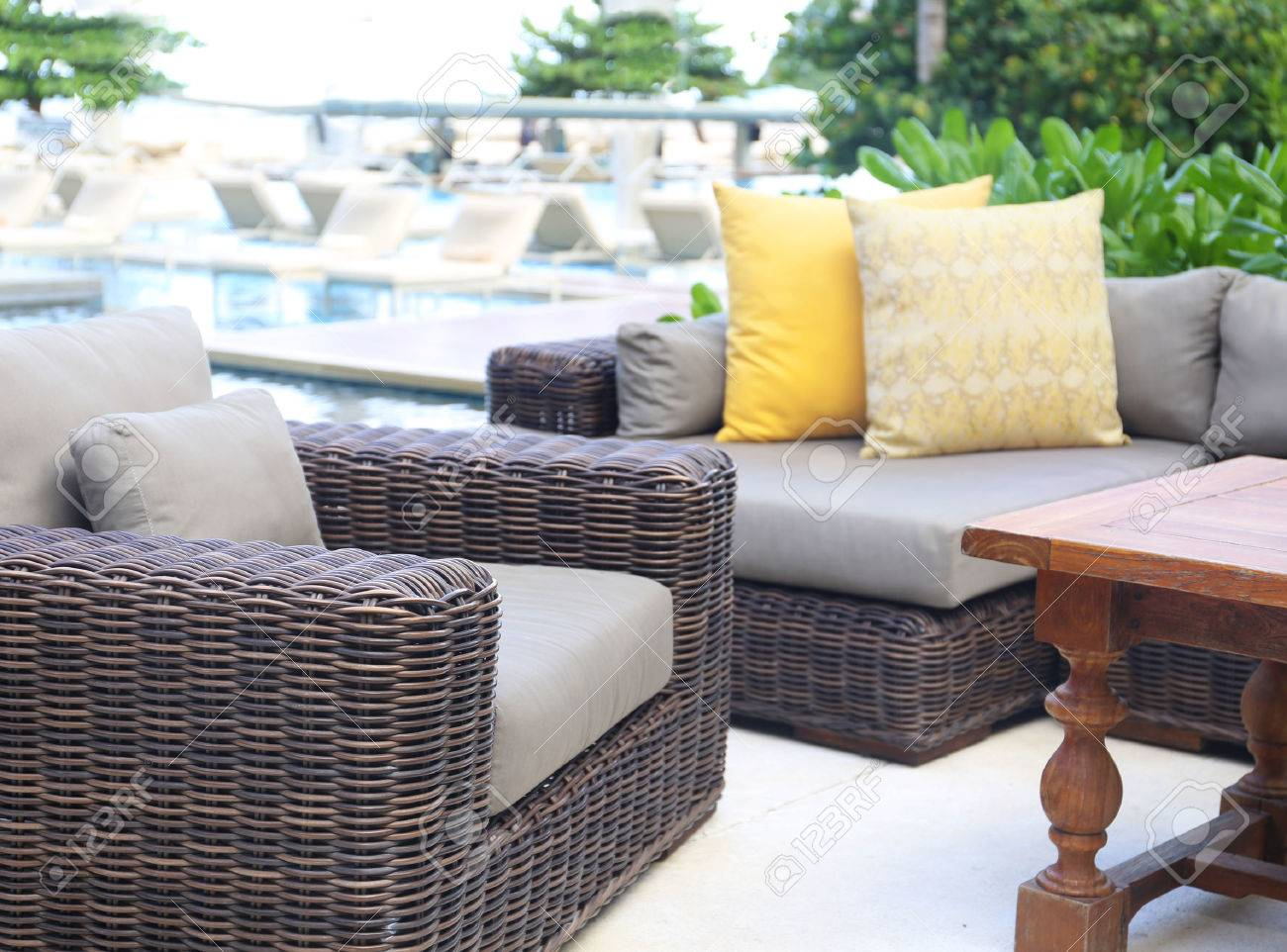Full Size of Rattan Sofa Set Grey Indoor Vintage Outdoor Corner For Sale Cover Wilko Davao Used Table And Chairs Big Grau Graues Leder Federkern Bunt Chesterfield Rundes Sofa Rattan Sofa