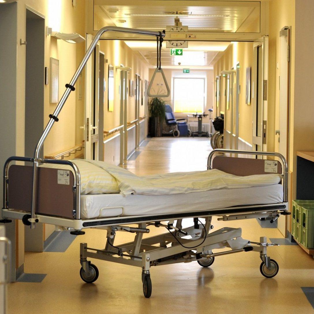 Large Size of Krankenhaus Bett Debatte Um Kliniken Warum Halle Das Fr Nicht Chesterfield Schramm Betten Köln Erhöhtes Günstig Kaufen 180x200 200x200 Mit Bettkasten Breite Bett Krankenhaus Bett