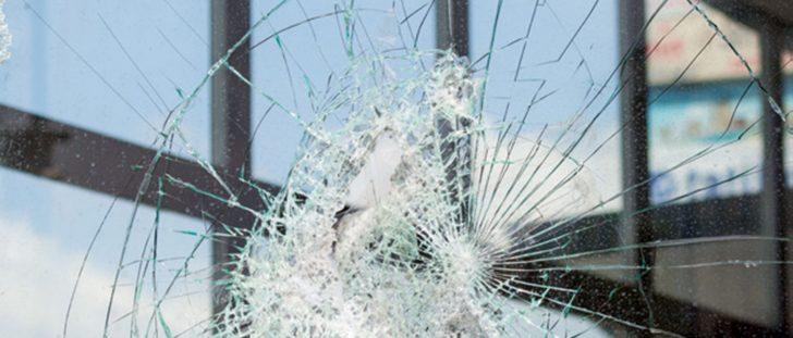 Medium Size of Sicherheitsfolie Fenster 3 Fach Verglasung Schallschutz Alte Kaufen Austauschen Einbruchschutz Flachdach Standardmaße Nachrüsten Plissee Weru Herne Veka Fenster Sicherheitsfolie Fenster