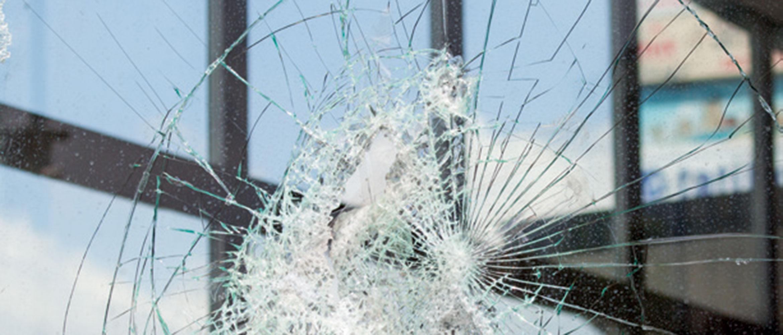 Full Size of Sicherheitsfolie Fenster 3 Fach Verglasung Schallschutz Alte Kaufen Austauschen Einbruchschutz Flachdach Standardmaße Nachrüsten Plissee Weru Herne Veka Fenster Sicherheitsfolie Fenster