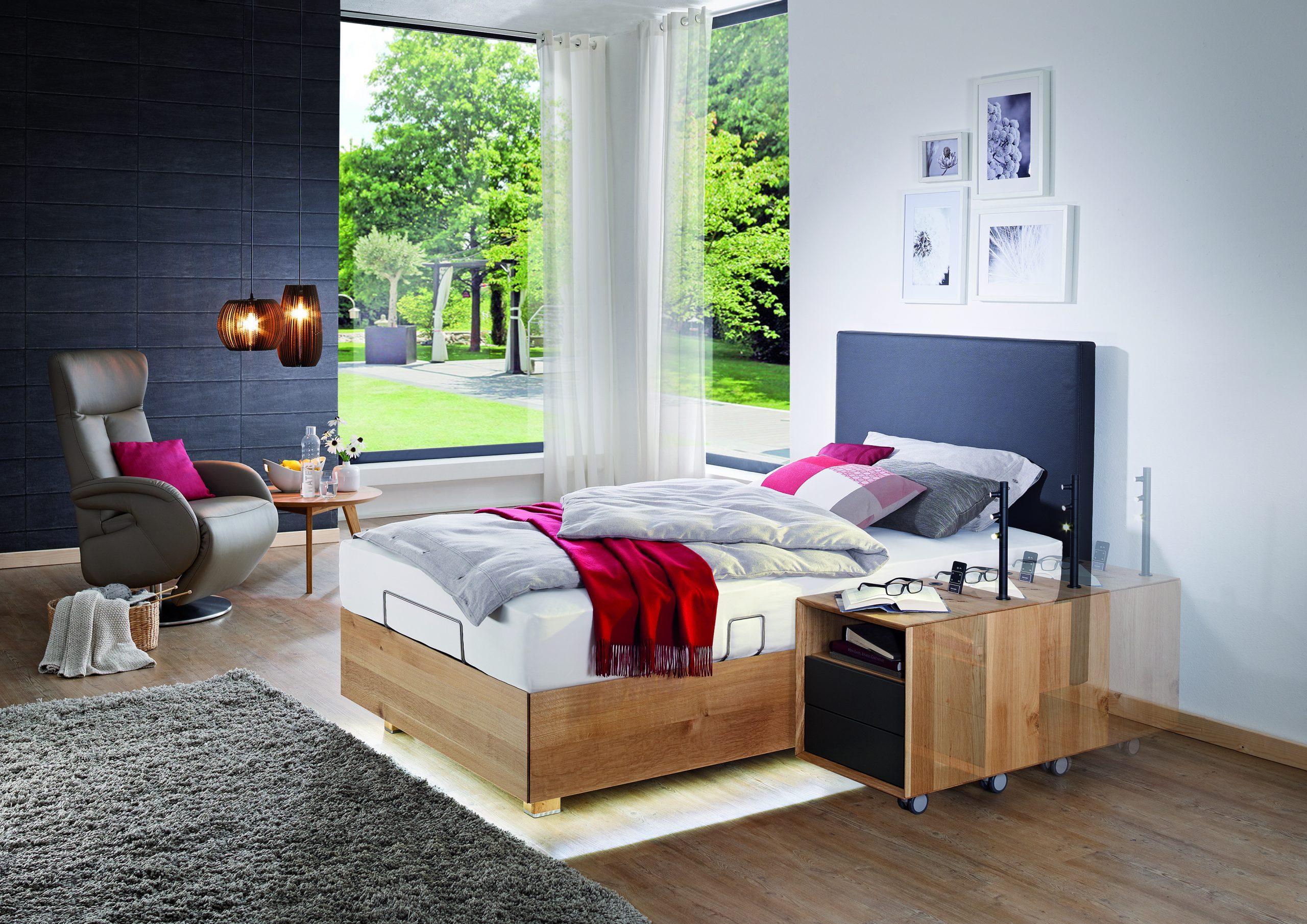 Full Size of Bett Breit Weiss Ikea M Mit Bettkasten Betten Seniorenbetten Unsere Experten Beraten Sie Kompetent 200x180 Ausklappbares überlänge 140x200 Flach Teenager Bett Bett 1.20 Breit