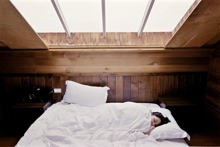 Medium Size of Bett Fr Dachschrge Test Empfehlungen 02 20 Günstig Kaufen Betten Massivholz Weiß 140x200 Buche Mit Gästebett Tagesdecke Grau Rückwand Einfaches Cars Bett Bett Niedrig