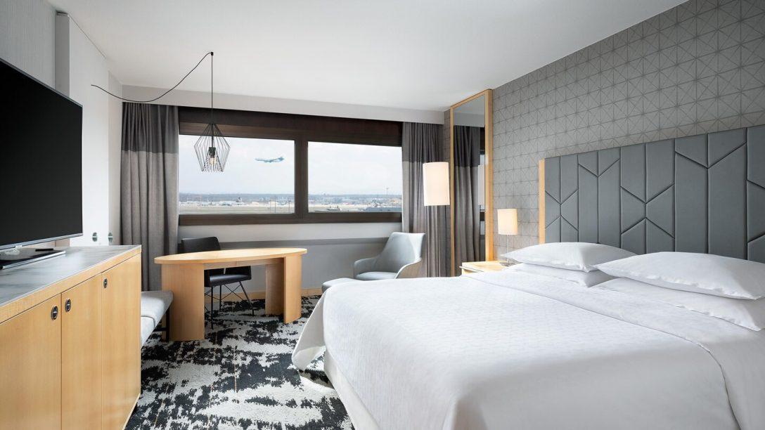 Large Size of Betten Frankfurt Hotel Flughafen Das Sheraton Airport Am Jensen Außergewöhnliche Meise Nolte Schlafzimmer Aus Holz Mit Matratze Und Lattenrost 140x200 Kaufen Bett Betten Frankfurt