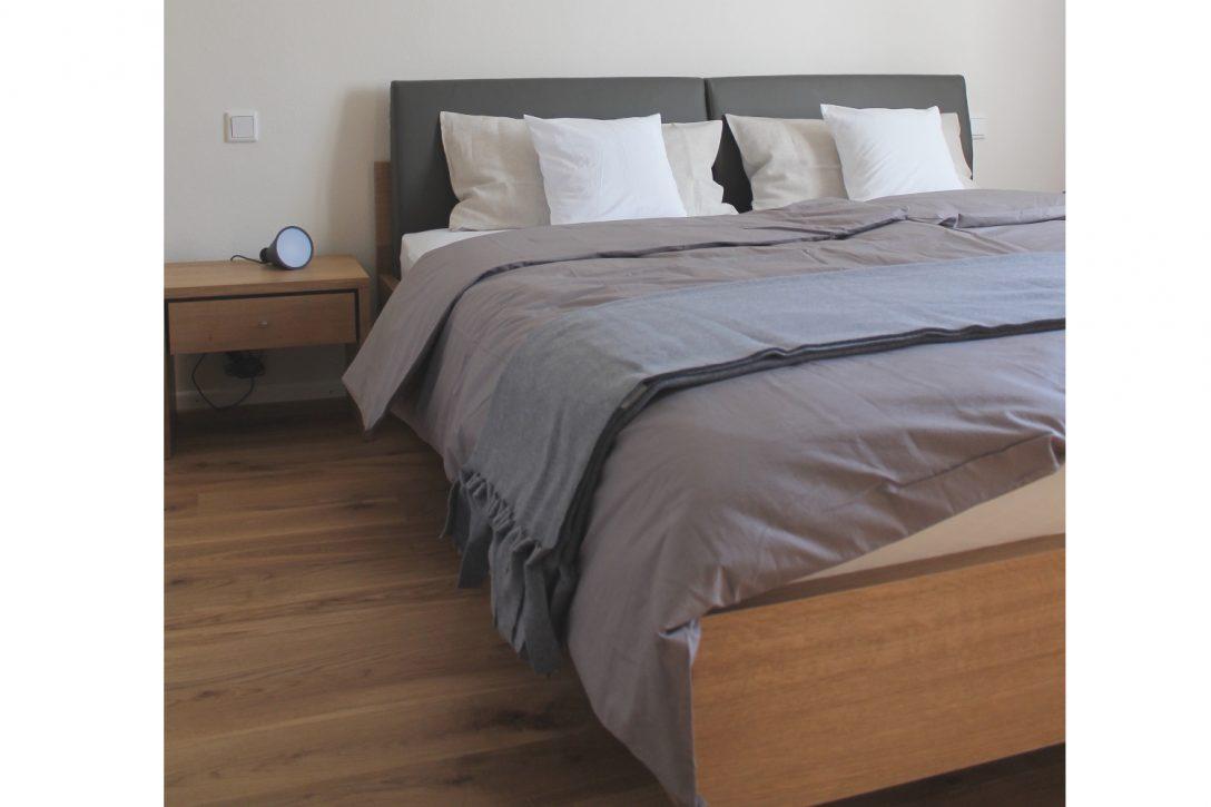 Large Size of Betten Holz Stark Massivholz Bett Esche Eiche Mit Rckenpolster Rauch 180x200 Günstig Kaufen 200x200 Ruf Preise Kopfteile Für Somnus Treca Holzregal Bett Betten Holz