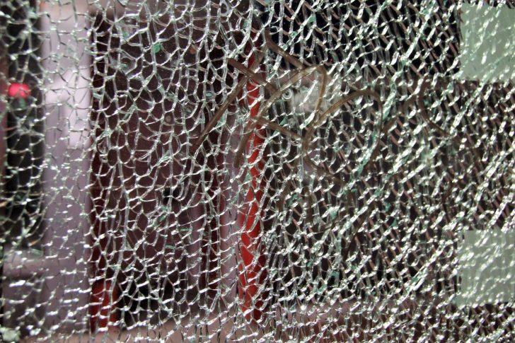 Medium Size of Folie Einbruchschutz Fenster Kaufen Was Ist Sicherheitsglas Einbau Sicherheitsfolie Fliegennetz Mit Rolladen Stange Austauschen Hannover Alarmanlagen Für Und Fenster Einbruchschutz Fenster Folie