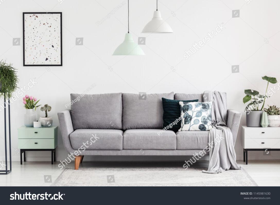 Large Size of Graues Sofa Teppich Blauer Graue Couch Welche Kissen 2er Ikea Kissenfarbe Wohnzimmer Wandfarbe Brauner Gelber Passt Dekoration Ligne Roset Hussen Für Grau Sofa Graues Sofa