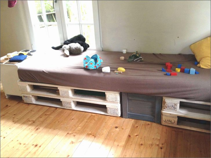 Medium Size of Podest Bett Podestbett Bauen Anleitung 160x200 Kaufen Ikea Selber Selbst Mit Treppe Kosten Ausziehbarem Das Schlafzimmer Hinter Der Betten Aufbewahrung Kinder Bett Podest Bett