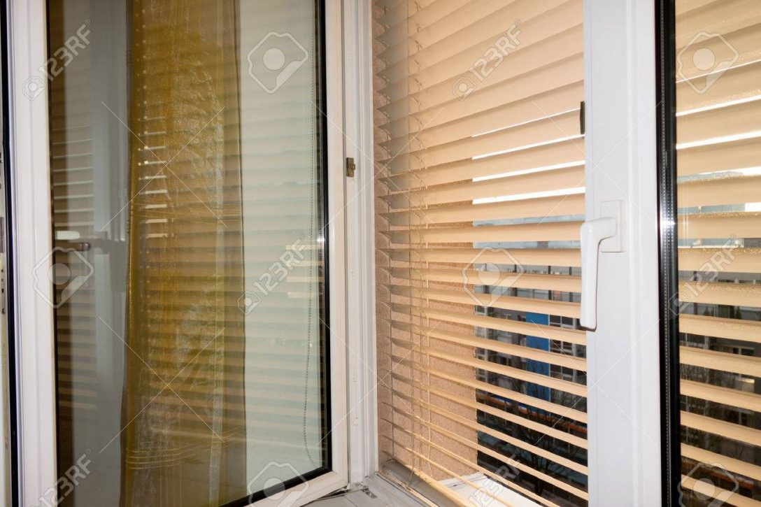 Large Size of Sicherheitsbeschläge Fenster Nachrüsten Rc3 Veka Sonnenschutz Standardmaße Dänische Schüco Kaufen Auf Maß Mit Integriertem Kunststoff Nachträglich Fenster Fenster Sonnenschutz
