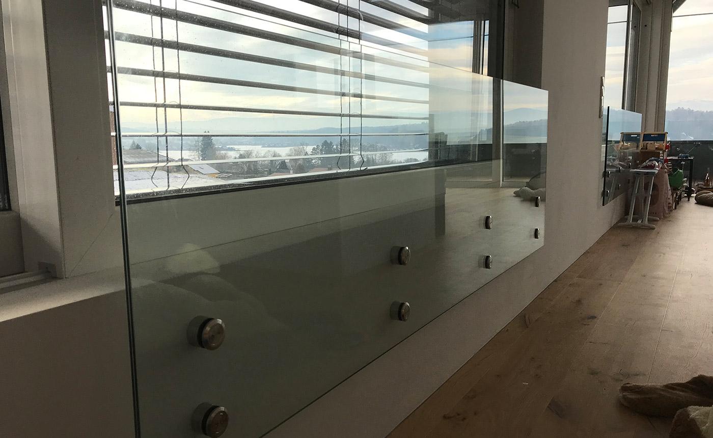 Full Size of Fenstersicherung Aus Glas Corner Aluminium Fenster Salamander Verdunkeln Absturzsicherung Standardmaße Einbruchschutz Stange Alte Kaufen Erneuern Ebay Herne Fenster Absturzsicherung Fenster