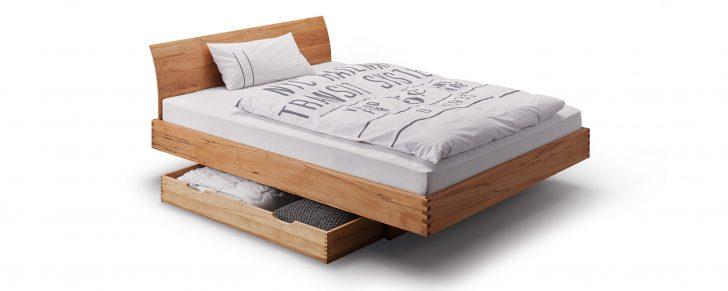 Medium Size of Bett Nussbaum Massiv 180x200 Step Gezinktes Massivholzbett In Uvm Esstisch Stauraum Platzsparend Betten Massivholz überlänge Ruf Fabrikverkauf Luxus Bett Bett Nussbaum 180x200