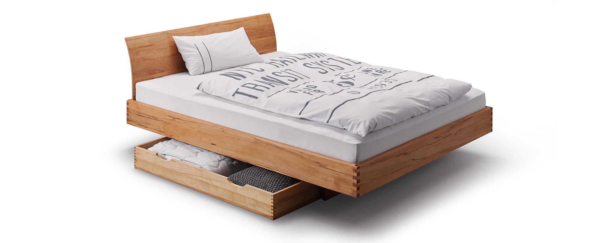 Full Size of Bett Nussbaum Massiv 180x200 Step Gezinktes Massivholzbett In Uvm Esstisch Stauraum Platzsparend Betten Massivholz überlänge Ruf Fabrikverkauf Luxus Bett Bett Nussbaum 180x200