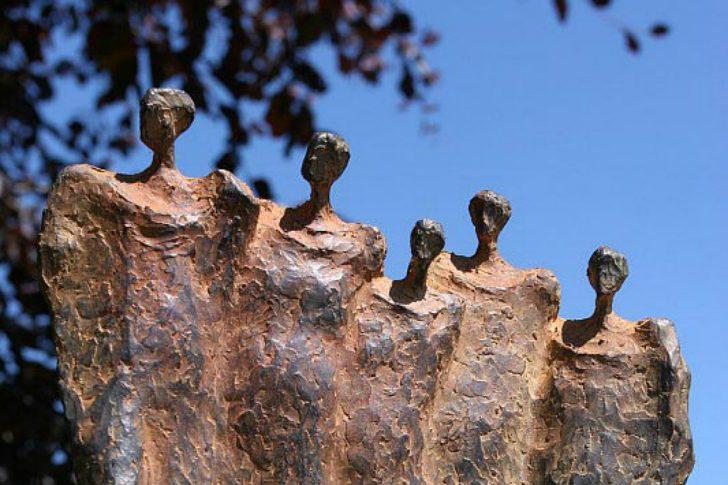 Medium Size of Garten Skulpturen Gartenskulpturen Kaufen Schweiz Aus Rostigem Eisen Metall Modern Skulptur Gartendeko Moderne Stein Holz Antik Beton Events Baumschule Hfkes Garten Garten Skulpturen
