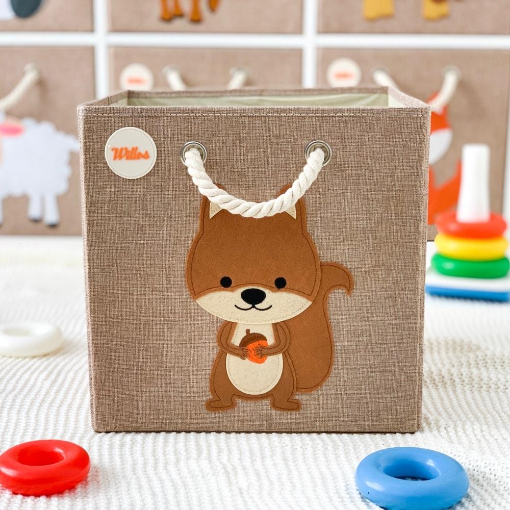 Full Size of Aufbewahrungsboxen Kinderzimmer Holz Mint Ikea Design Amazon Stapelbar Plastik Aufbewahrungsbospielzeugboeichhrnchen Regal Weiß Regale Sofa Kinderzimmer Aufbewahrungsboxen Kinderzimmer