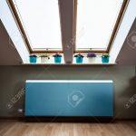 Moderne Heizkörper Wohnzimmer Heizkörper Blick Auf Heizkrper Im Dachgeschoss Lizenzfreie Fotos Wohnzimmer Bad Für Esstische Fürs Bett 180x200 Elektroheizkörper Landhausküche Duschen