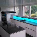 Rückwand Küche Wohnzimmer Rückwand Küche Lampen Ausstellungsküche Abluftventilator Läufer Glaswand Aufbewahrungsbehälter Schwingtür Thekentisch Wandpaneel Glas Nischenrückwand