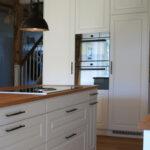 Küche Landhausstil Schweizer Kchen Fr Jede Stilrichtungen Massivholzküche Vorhänge Ausstellungsstück Günstig Kaufen Pendelleuchte Gewinnen Deckenlampe Wohnzimmer Küche Landhausstil