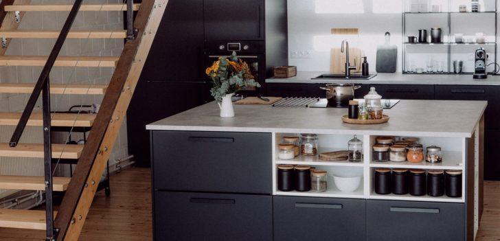 Medium Size of Ikea Kche Mit Freistehendem Kchenblock Hängeschrank Küche Kosten Badezimmer Bad Weiß Hochglanz Modulküche Höhe Glastüren Betten Bei 160x200 Miniküche Wohnzimmer Hängeschrank Ikea
