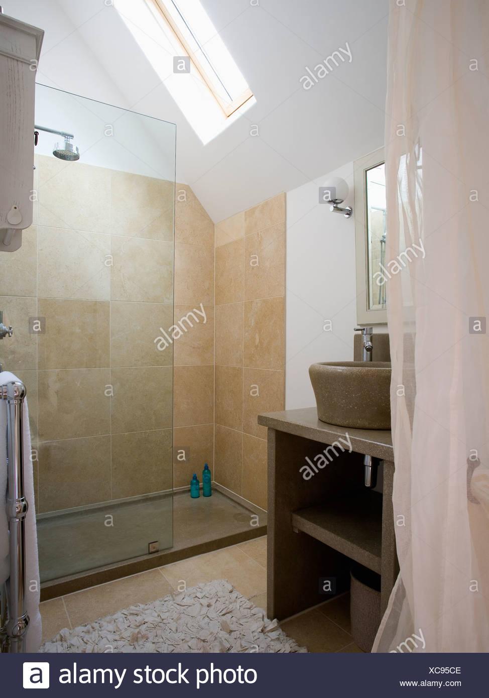 Full Size of Glas Trennwand Auf Groe Begehbare Dusche Mit Beige Fliesen In Unterputz Grohe Wand 90x90 Ebenerdige Kosten Bodengleiche Nachträglich Einbauen Komplett Set Dusche Glastrennwand Dusche