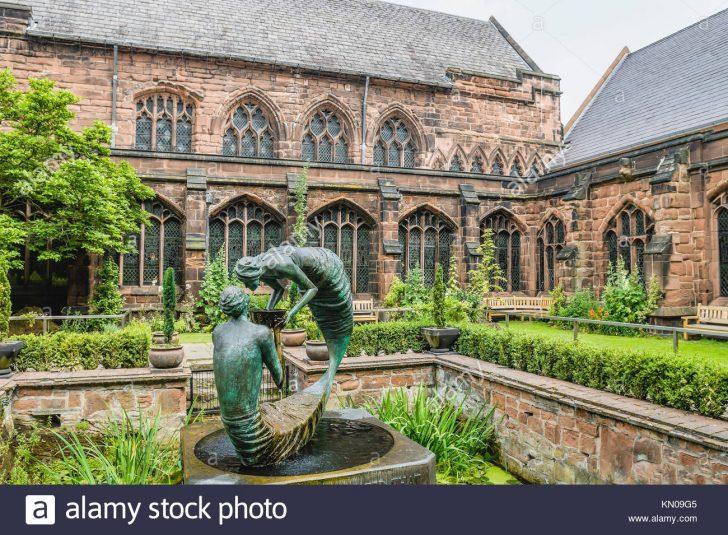Medium Size of Skulpturen Für Den Garten Stockfotos Bilder Alamy Immobilienmakler Baden Kinderspielhaus Betten übergewichtige Gardinen Schlafzimmer Spielanlage Pavillon Wohnzimmer Skulpturen Für Den Garten