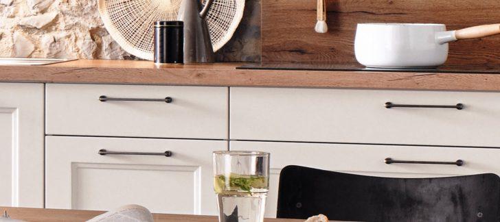 Küche Landhaus Kche In Wei Matt Kcheco Pendelleuchten Fliesenspiegel Selber Machen Mit Theke Pantryküche Kühlschrank Ohne Elektrogeräte Modulküche Holz Wohnzimmer Küche