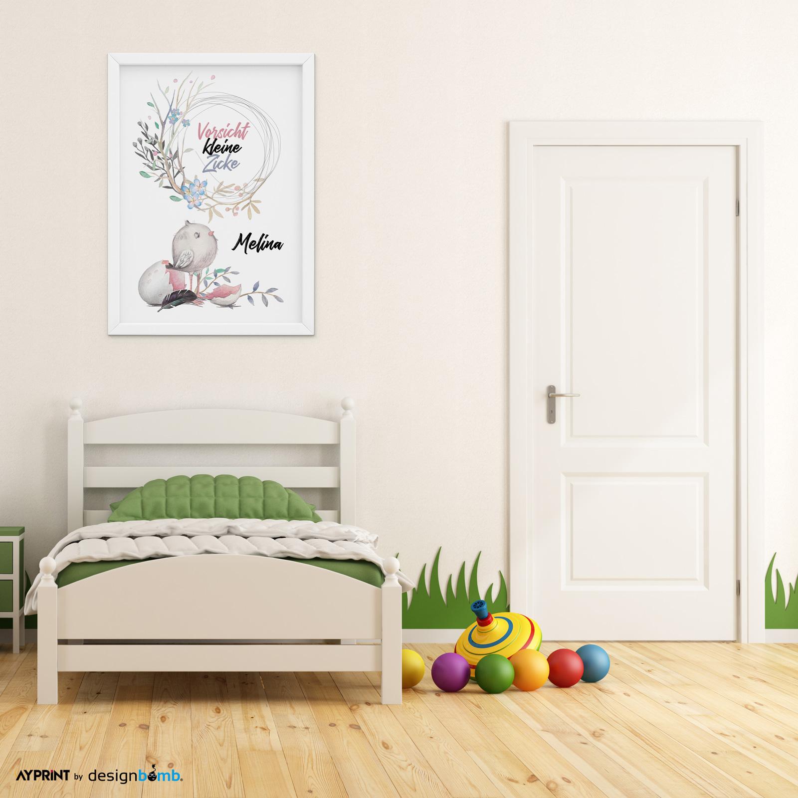 Full Size of Kinderzimmer Wanddeko Babyzimmer Vorsicht Kleine Zicke A3 Poster Regal Regale Sofa Küche Weiß Kinderzimmer Kinderzimmer Wanddeko