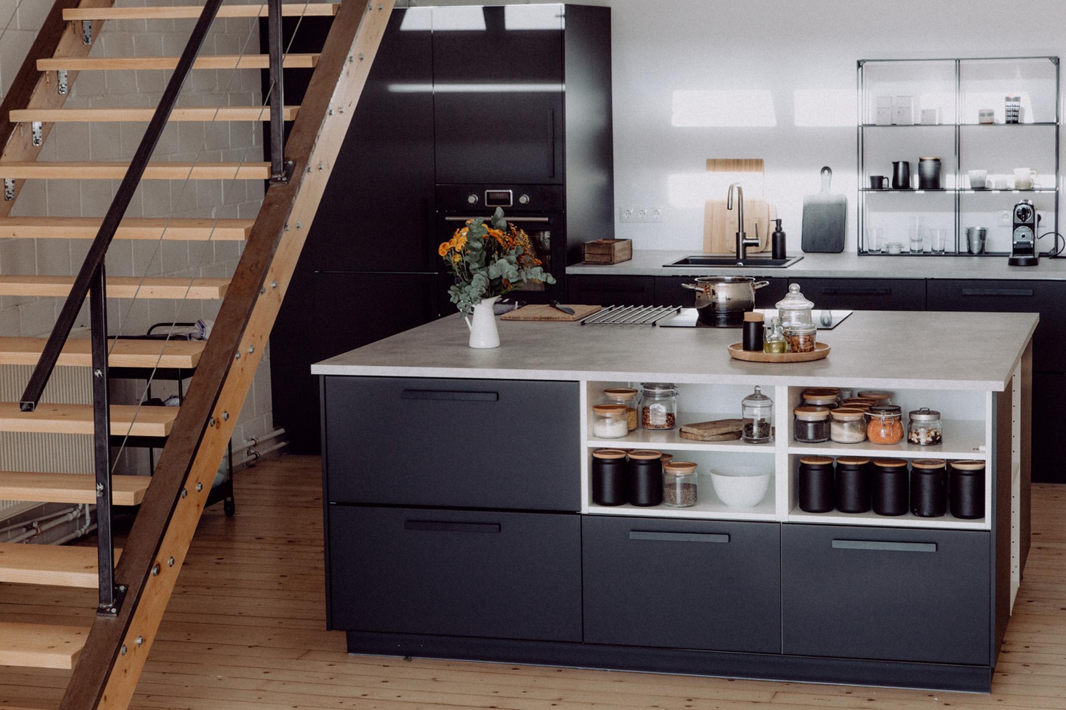 Full Size of Ikea Küchen Kche Mit Freistehendem Kchenblock Miniküche Küche Kaufen Sofa Schlaffunktion Kosten Betten 160x200 Modulküche Regal Bei Wohnzimmer Ikea Küchen