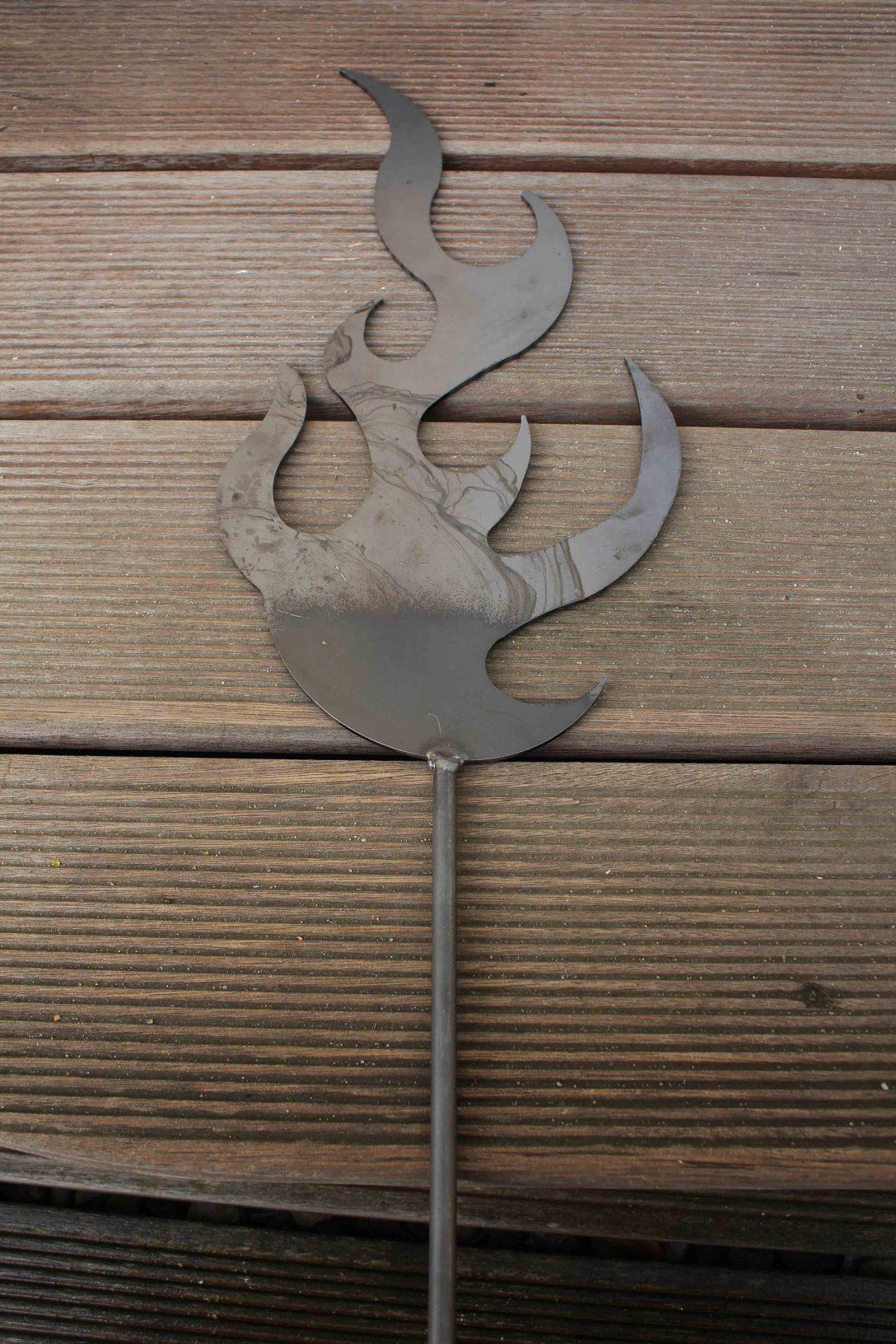 Large Size of Gartendeko Aus Holz Und Metall Flamme Metallkunst Holzhaus Garten Runder Esstisch Ausziehbar Weiß Regal Obstkisten Thailand Rundreise Baden Landhaus Wohnzimmer Gartendeko Aus Holz Und Metall