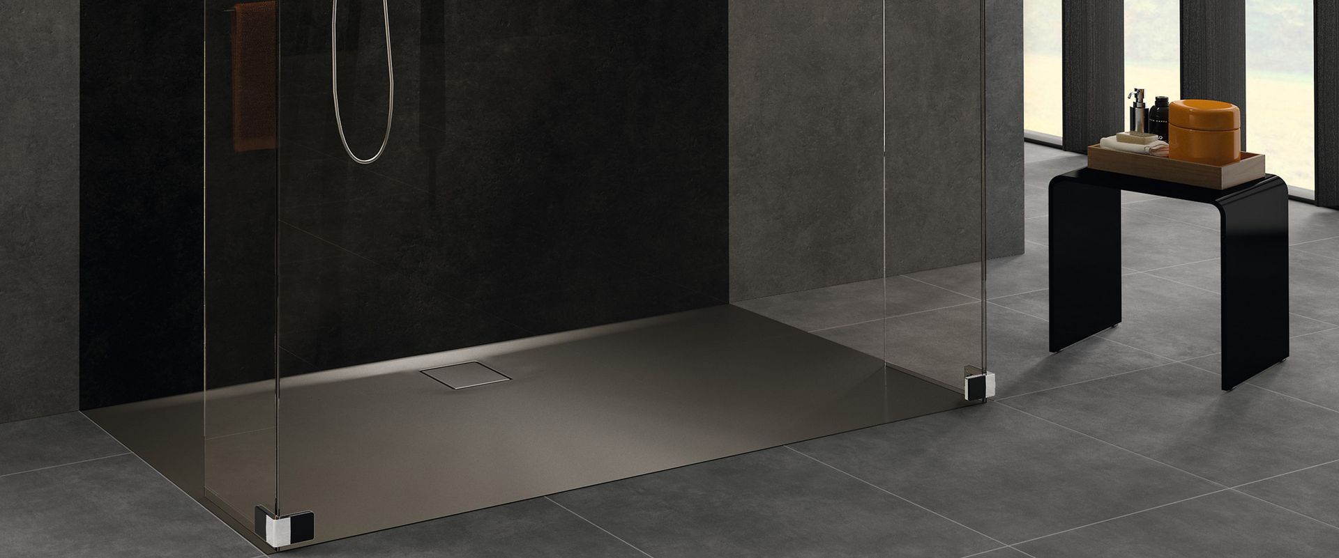 Full Size of Dusche Ebenerdig Begehbare Ohne Tür Behindertengerechte Glaswand Duschen Haltegriff Bodengleiche Grohe Thermostat Hüppe Walkin Siphon Barrierefreie Dusche Hüppe Dusche